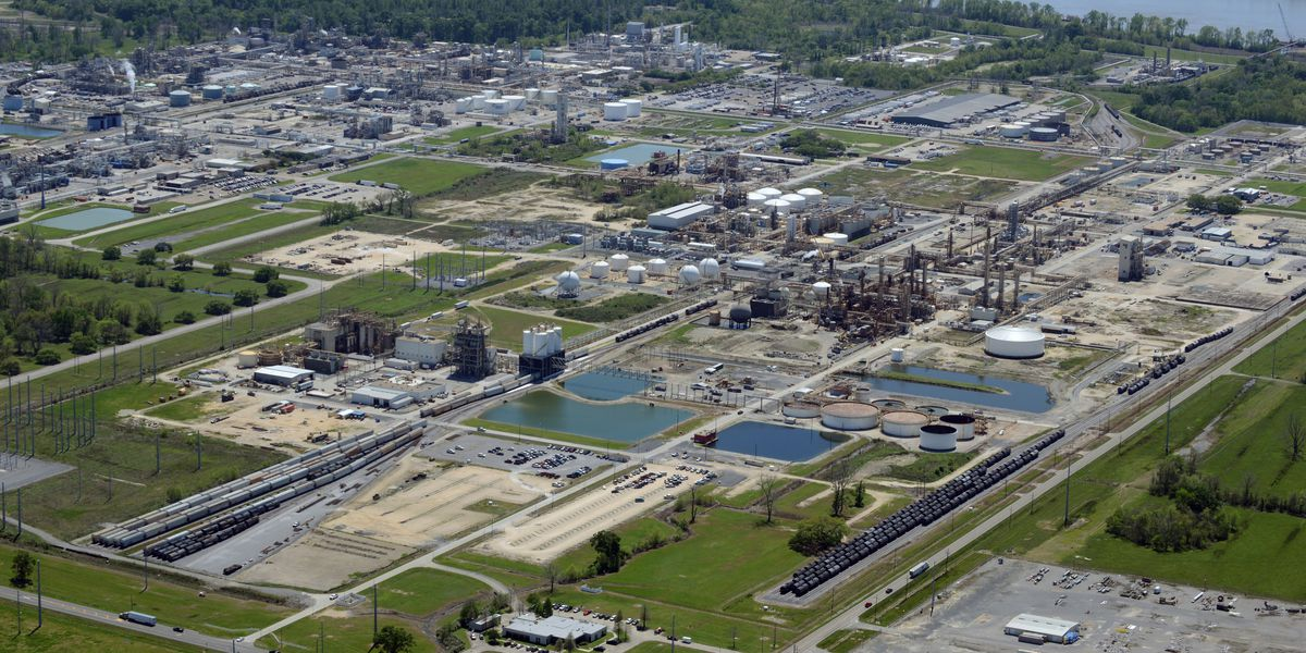 Highway briefly closed after 'minor' leak at Westlake Chemical in Geismar