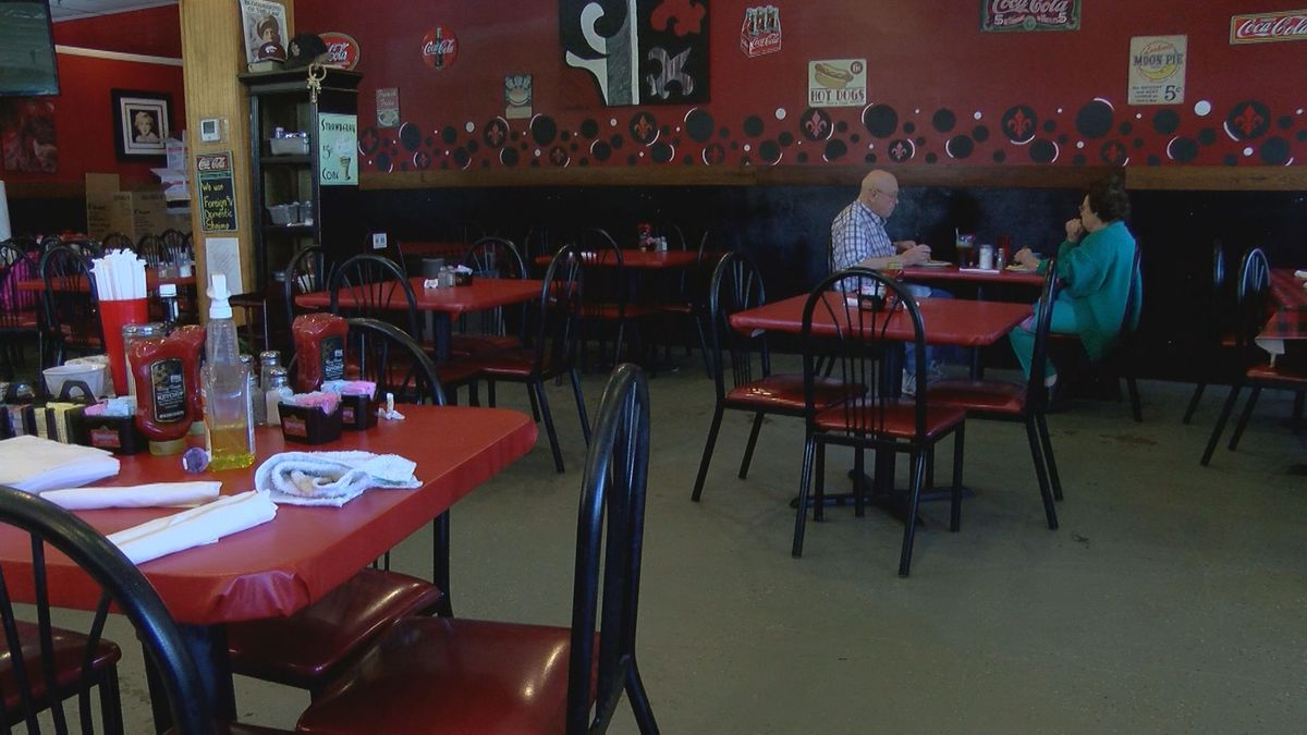 Why an La. restaurant owner lets one couple dine in during coronavirus shutdown