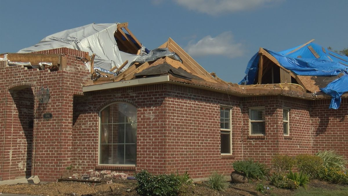 La. Public Service Commission looking for way to keep storm restoration fees low