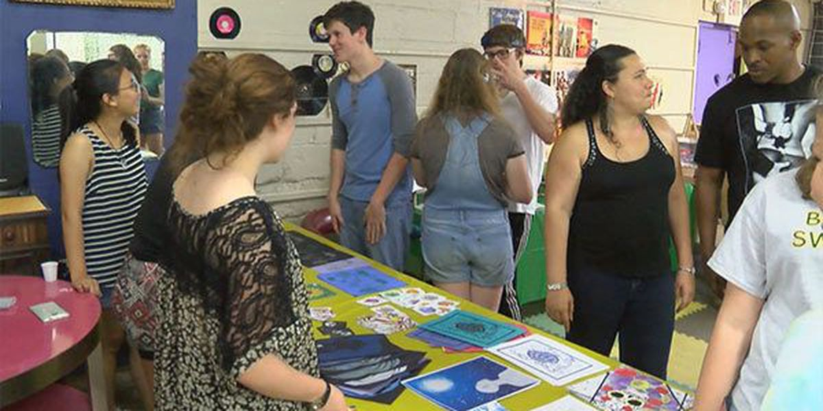 Hot Art Cool Nights Shows Off Art In Mid City Baton Rouge