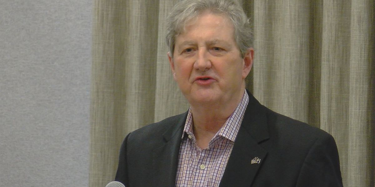 Sen. Kennedy speaks to Republican Women of Baton Rouge