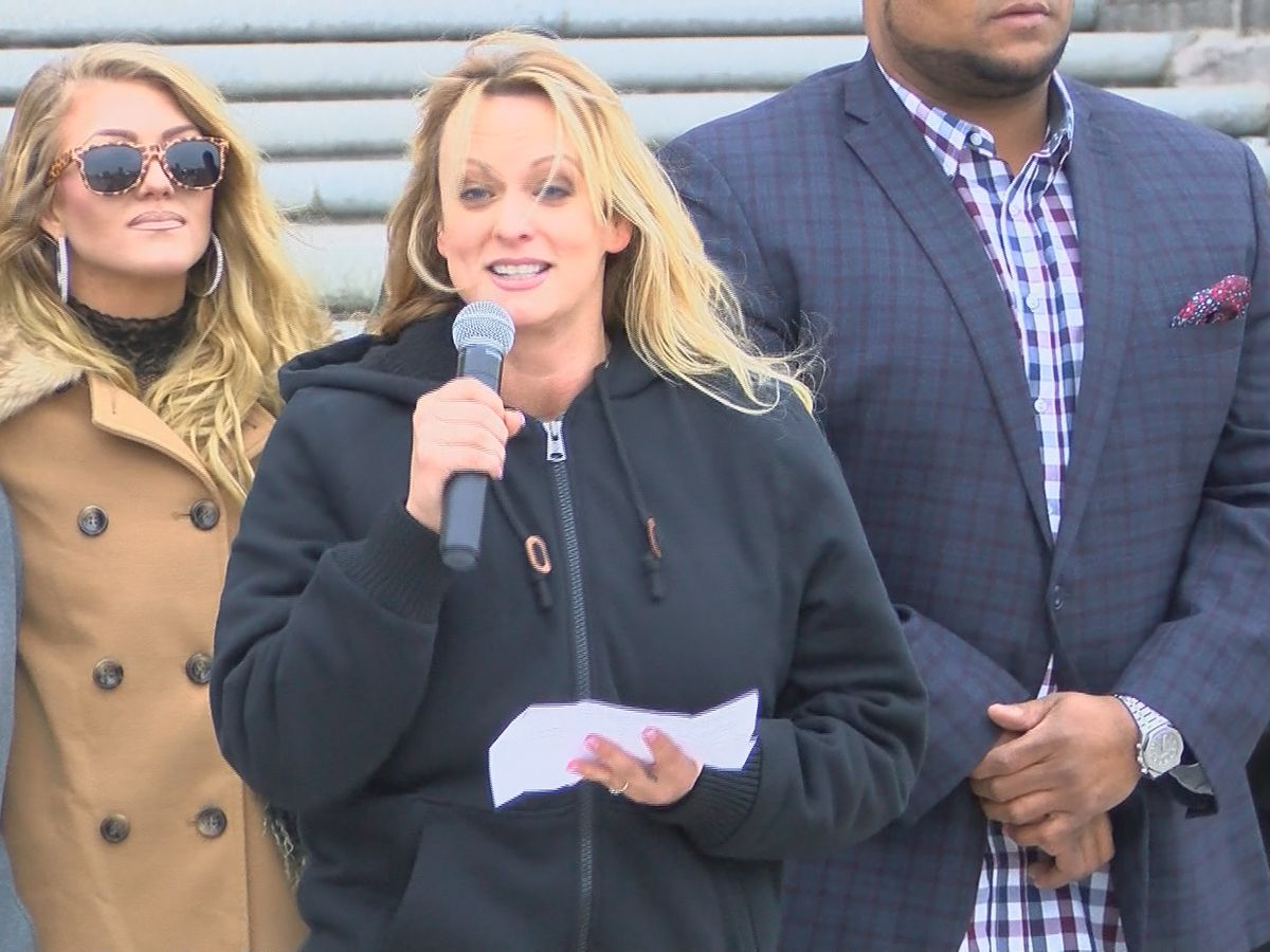 Stormy Daniels, other strippers protest new Louisiana law at state capitol