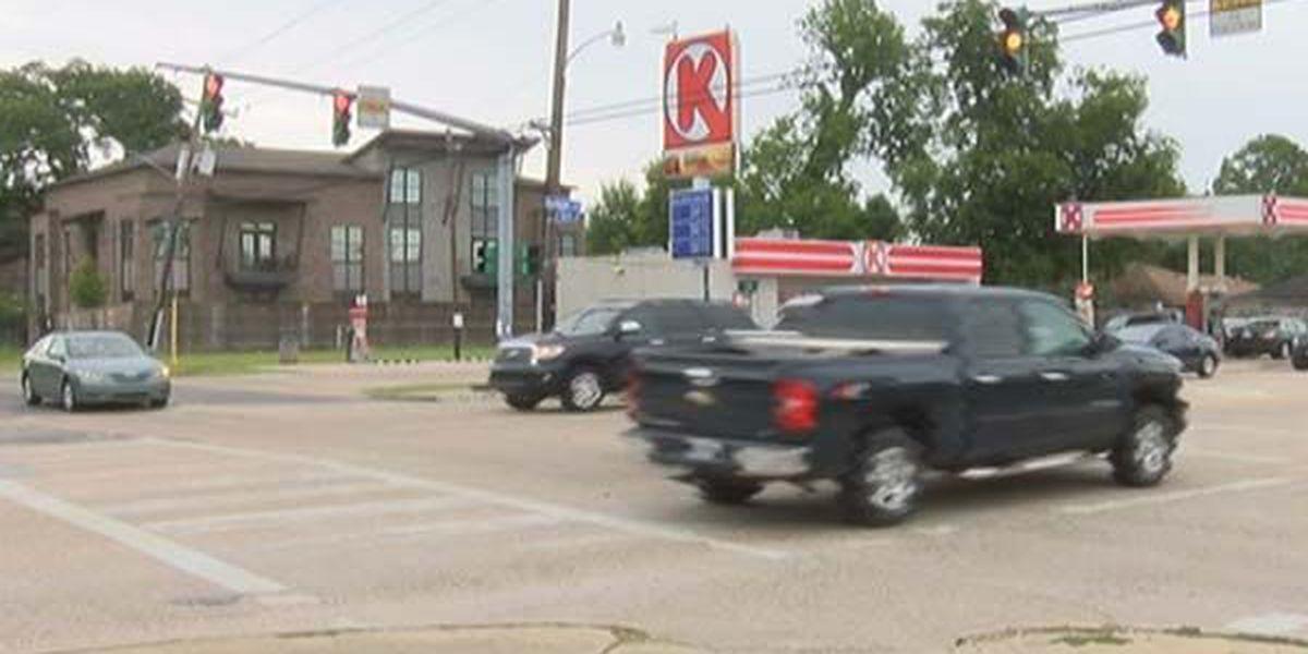 Traffic light going back up at Boyd, Burbank