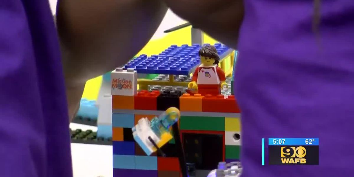 Elementary students show off Lego creations for 'Moon Missions'
