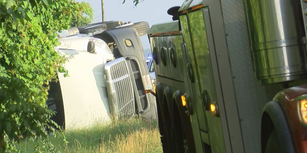 All lanes open on I-10 after 18-wheeler overturns; no injuries