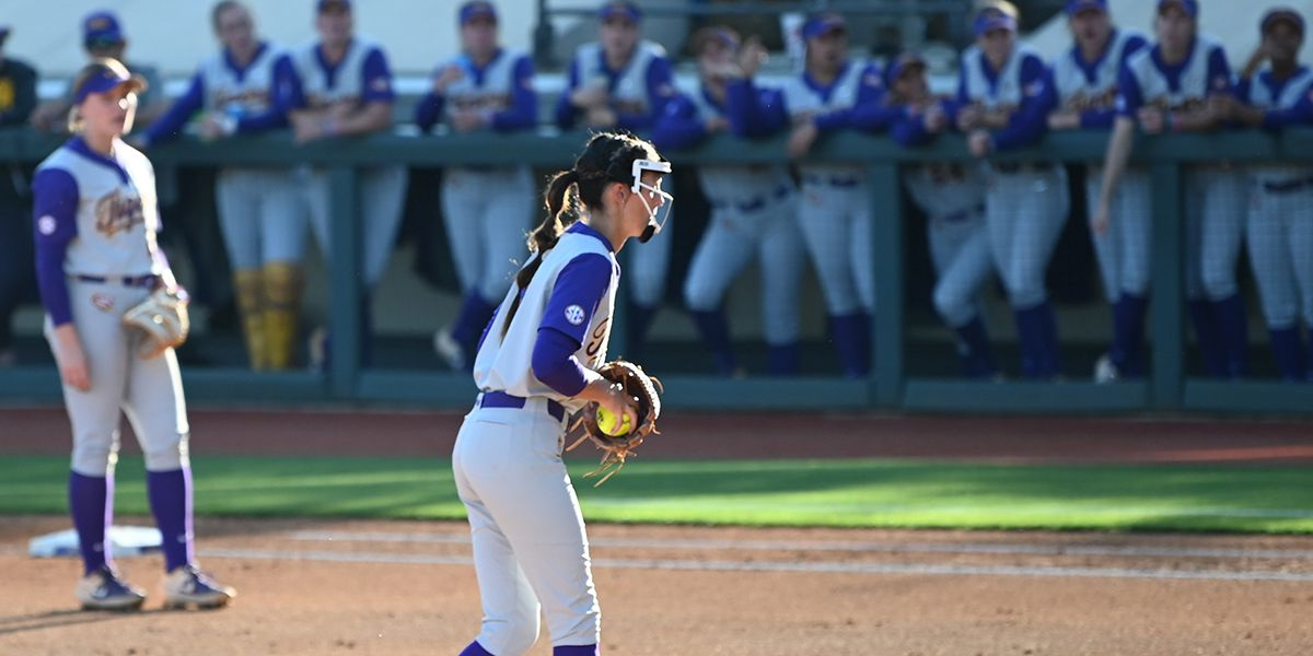 No. 7 LSU softball shuts out McNeese St. in midweek game