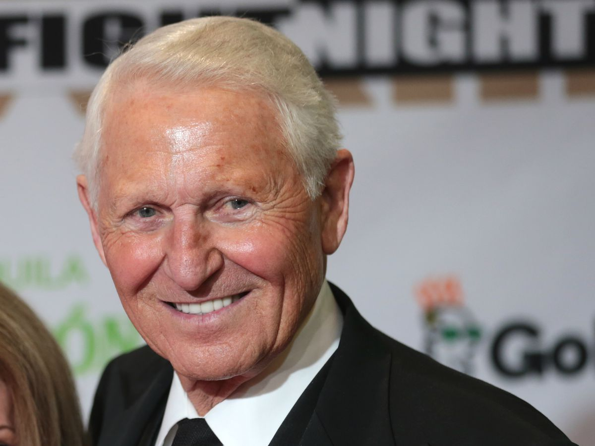 Legendary college basketball coach Lute Olson passes away at 85