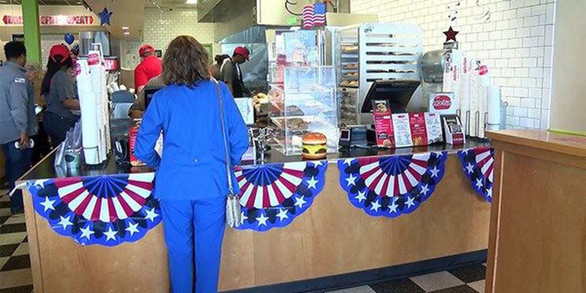 Mooyah collects donations for veterans