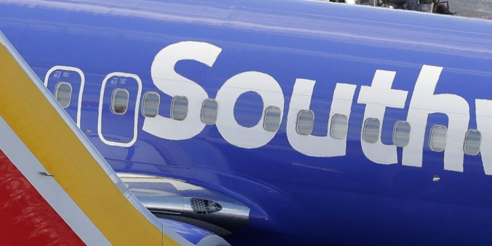 Computer issues temporarily ground Southwest Airlines flights Friday