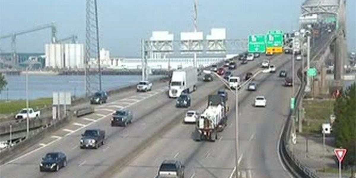 All lanes reopen on I-10 E on 'New Bridge' after crash, disabled vehicle cleared