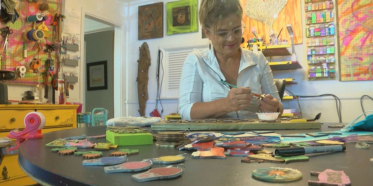 SHOWCASING LOUISIANA: Metairie artist makes unique Mardi Gras throws