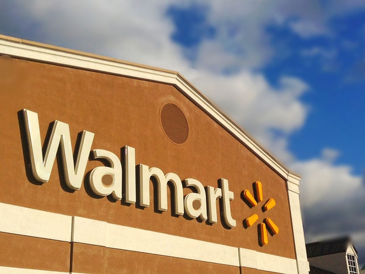 Walmart hiring 140 for Hammond distribution center; starting pay at $17 an hour