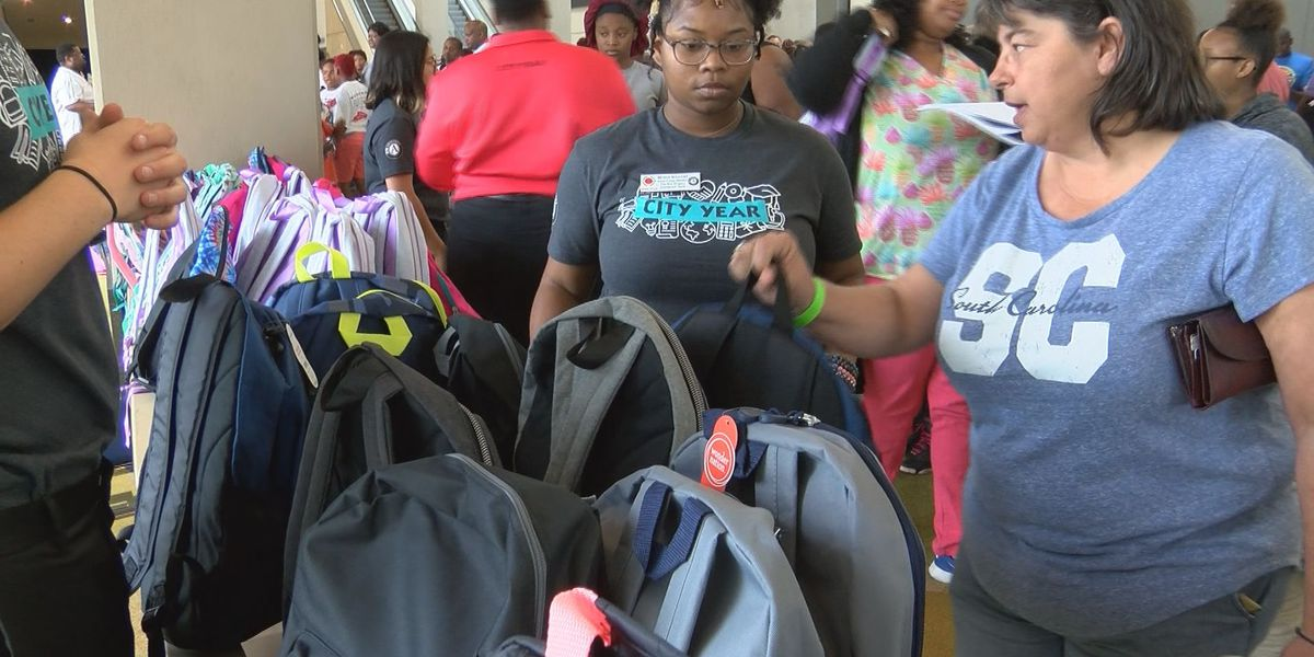 Community leaders help students prepare for upcoming school year