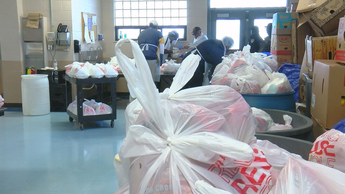 Despite pandemic, St. Vincent de Paul delivers on annual Thanksgiving meal
