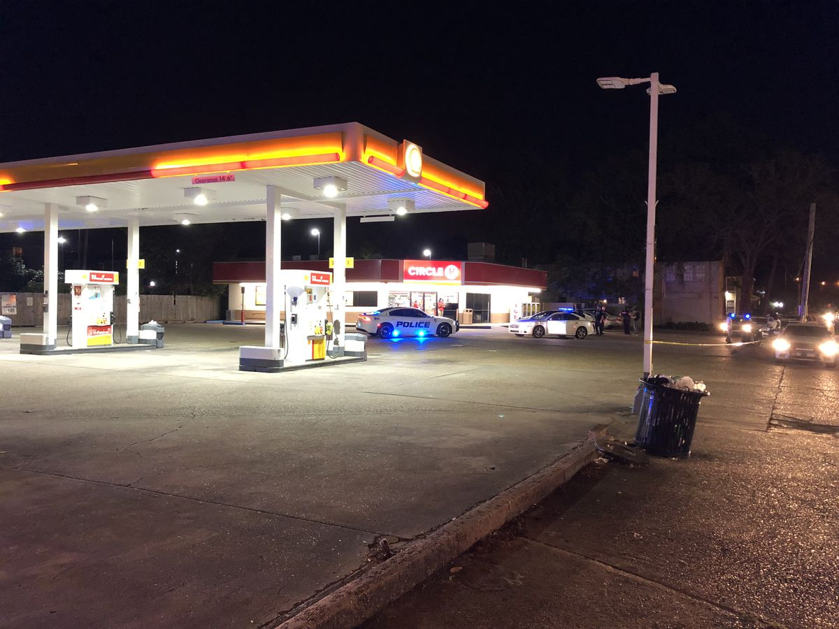 At least 1 injured in Monday night shooting in Baton Rouge