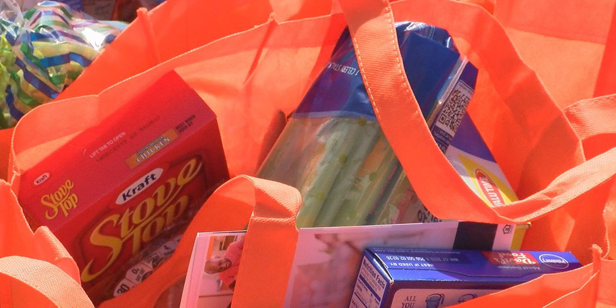 Hundreds of families go home with groceries for Thanksgiving
