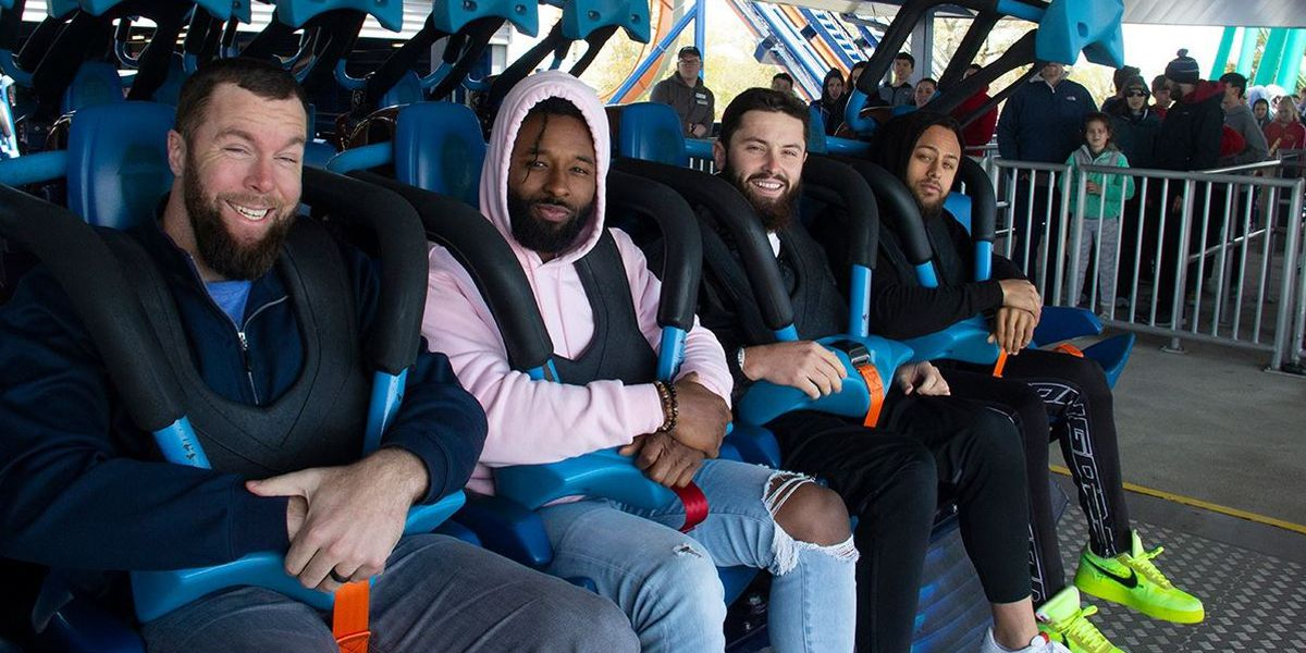 Cleveland Browns break from training for fun at Cedar Point