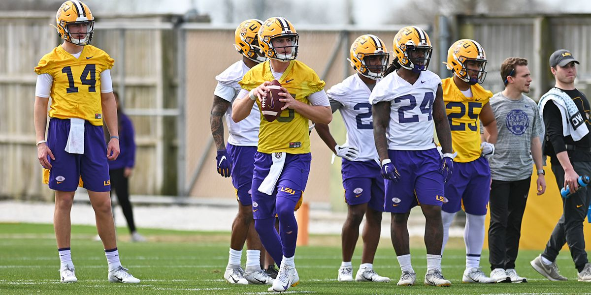 LSU football players return to campus for voluntary workouts