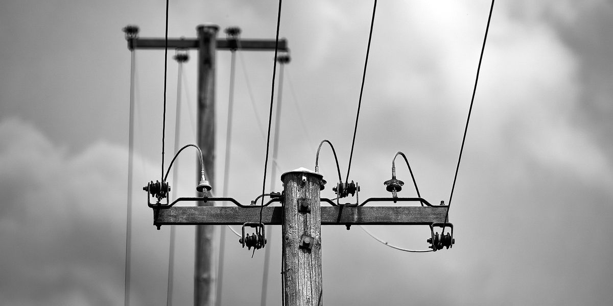 Power restored to thousands after strong Sunday winds