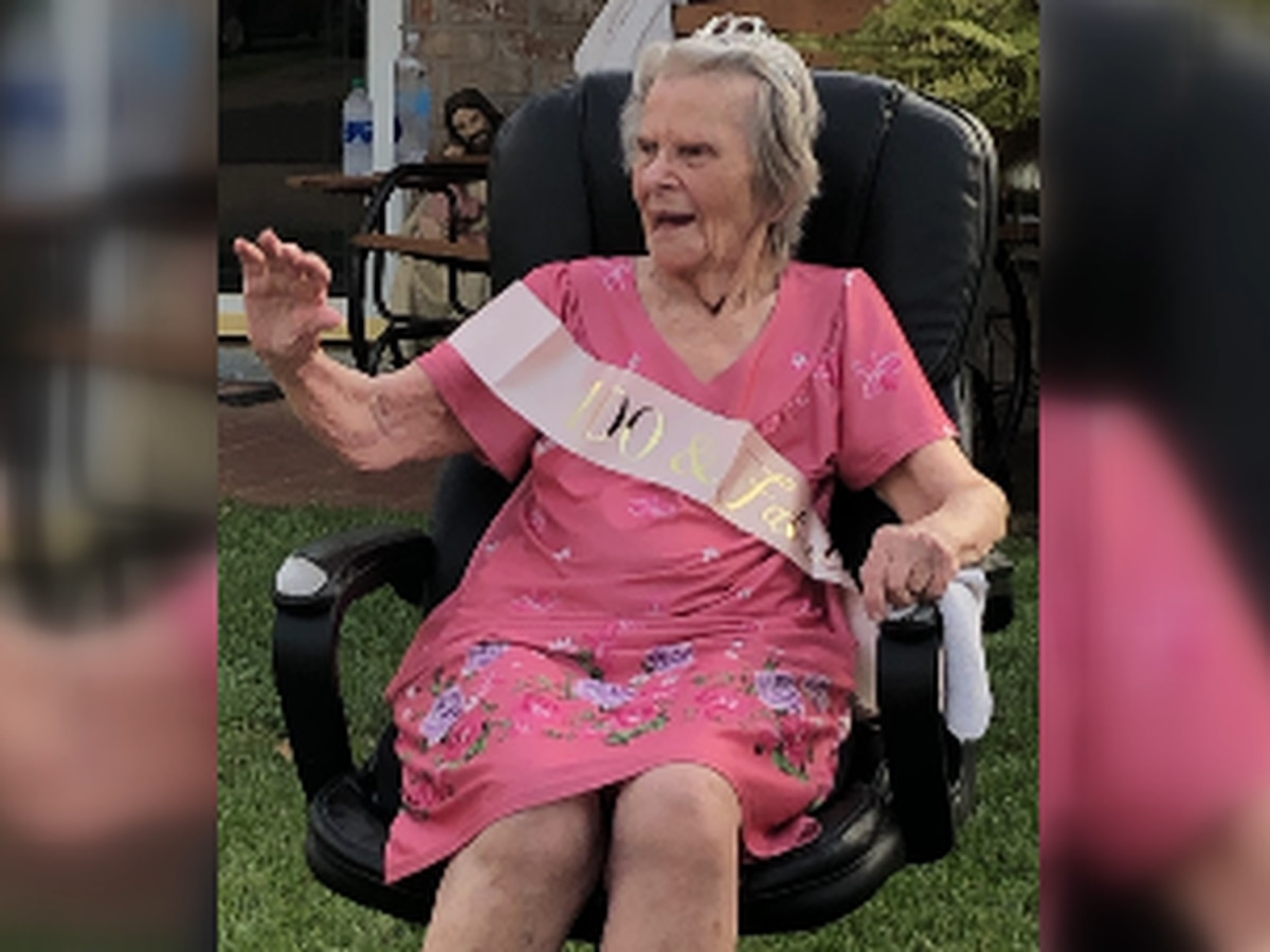 Family celebrates woman's 100th birthday with car parade