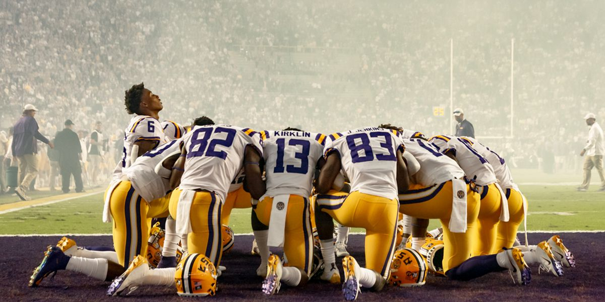LSU runs over Arkansas in chilly 24-17 victory