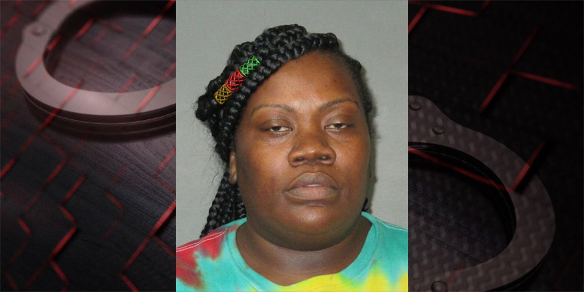 Report: Baton Rouge mother arrested after children found home alone with no food