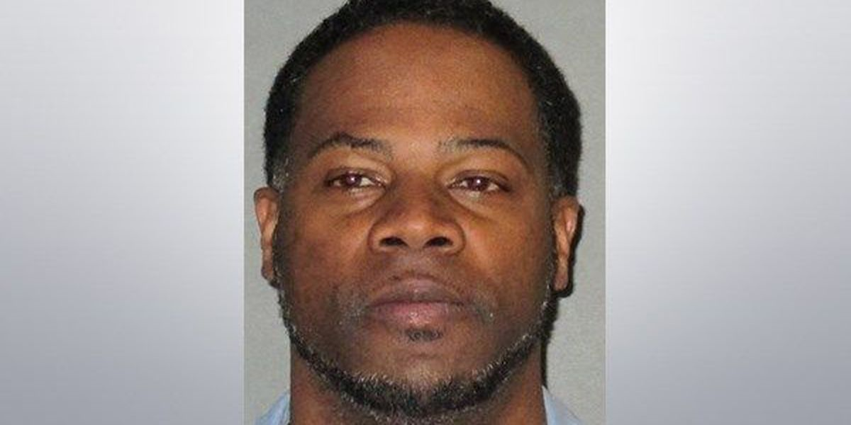 Man rams ex-girlfriend's car, charged with attempted murder