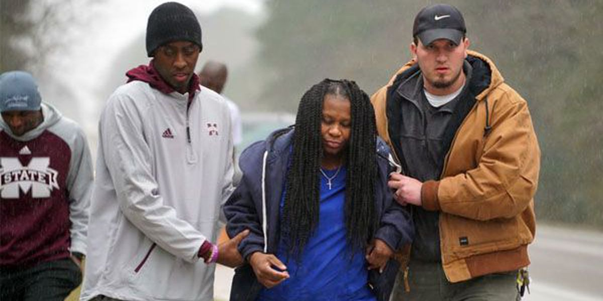 MSU basketball team stops during trip to LSU to help injured motorist
