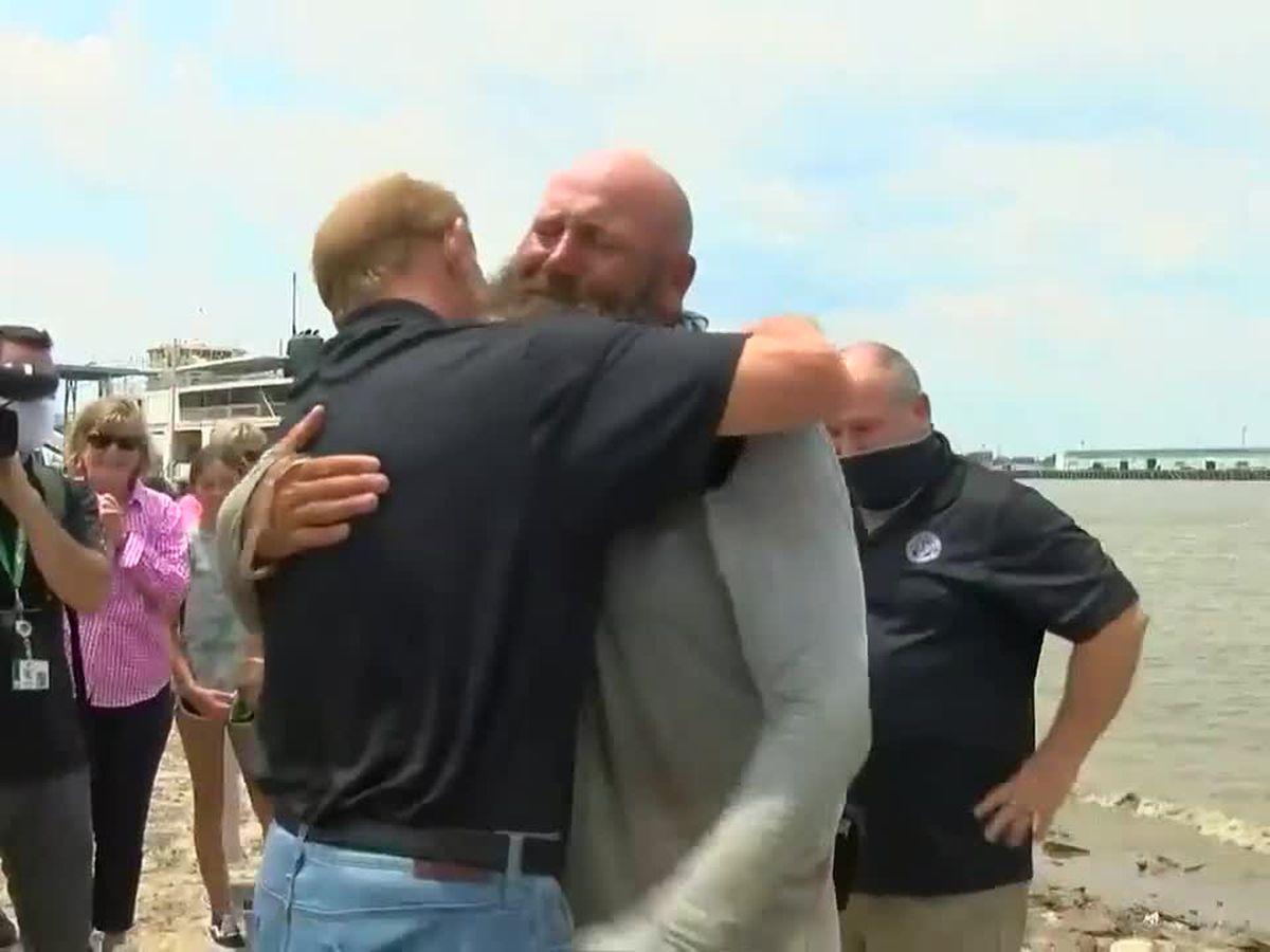 Gretna man arrives home to fanfare after 2,500 mile kayak trip down Mississippi River