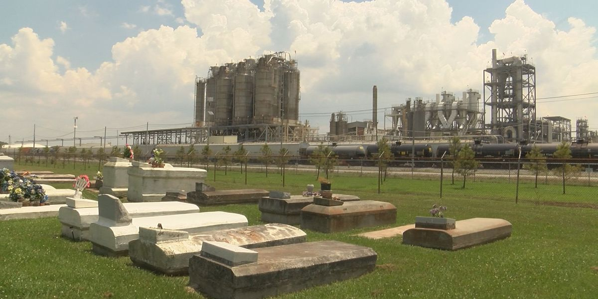 Plaquemine family fights chemical plant over burial grounds