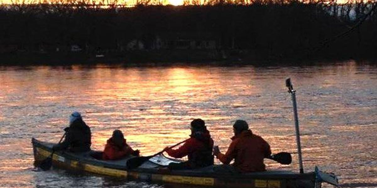 Group of paddlers attempt to canoe the entire Mississippi River