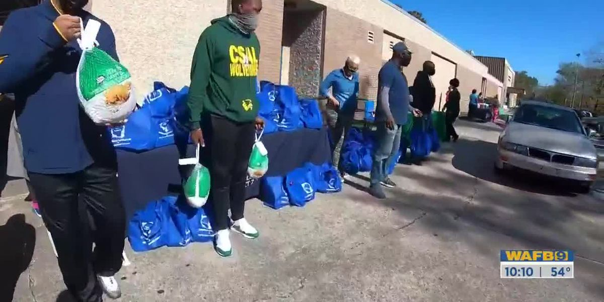 District 7 hosts community outreach event, free turkey giveaway