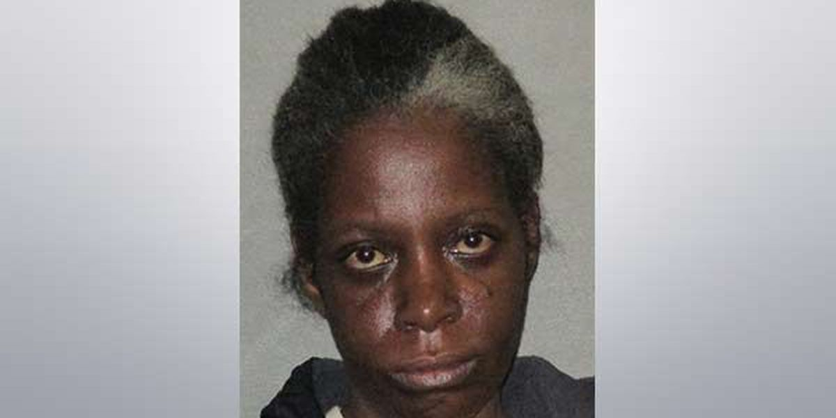 Baton Rouge woman claims self-defense in Wednesday night stabbing