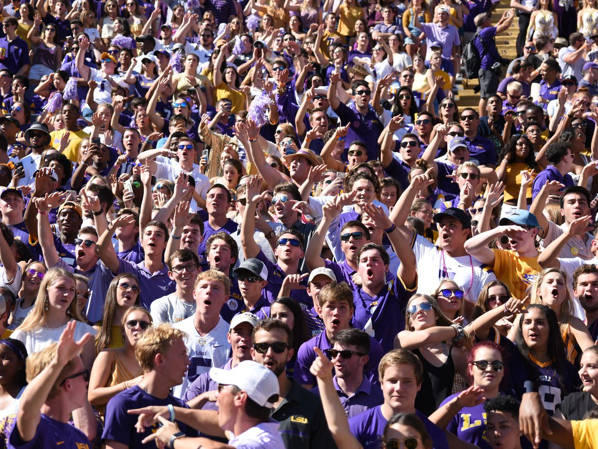 Death Valley roars all game in LSU's 36-16 win over Georgia
