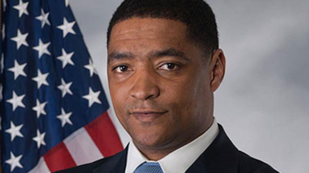 Rep. Cedric Richmond caught watching golf during impeachment hearing