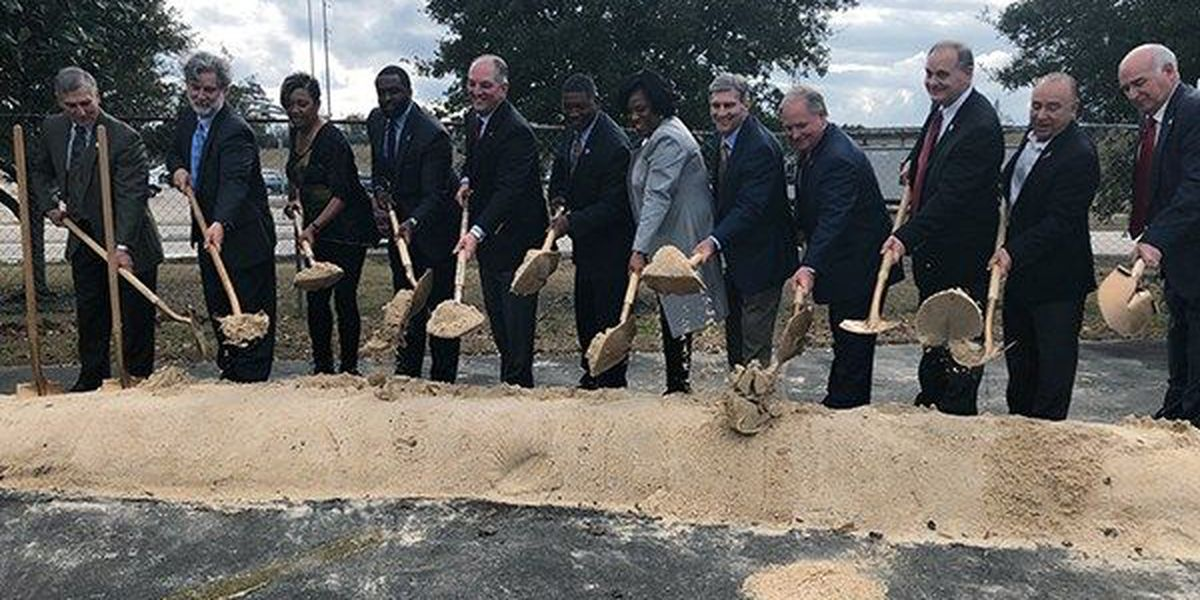 Officials break ground on I-10 widening project in EBR, Ascension Parishes
