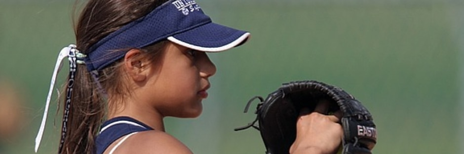 'Why does she have to choose:' Mom's photos shows girls they can love sports and be girly