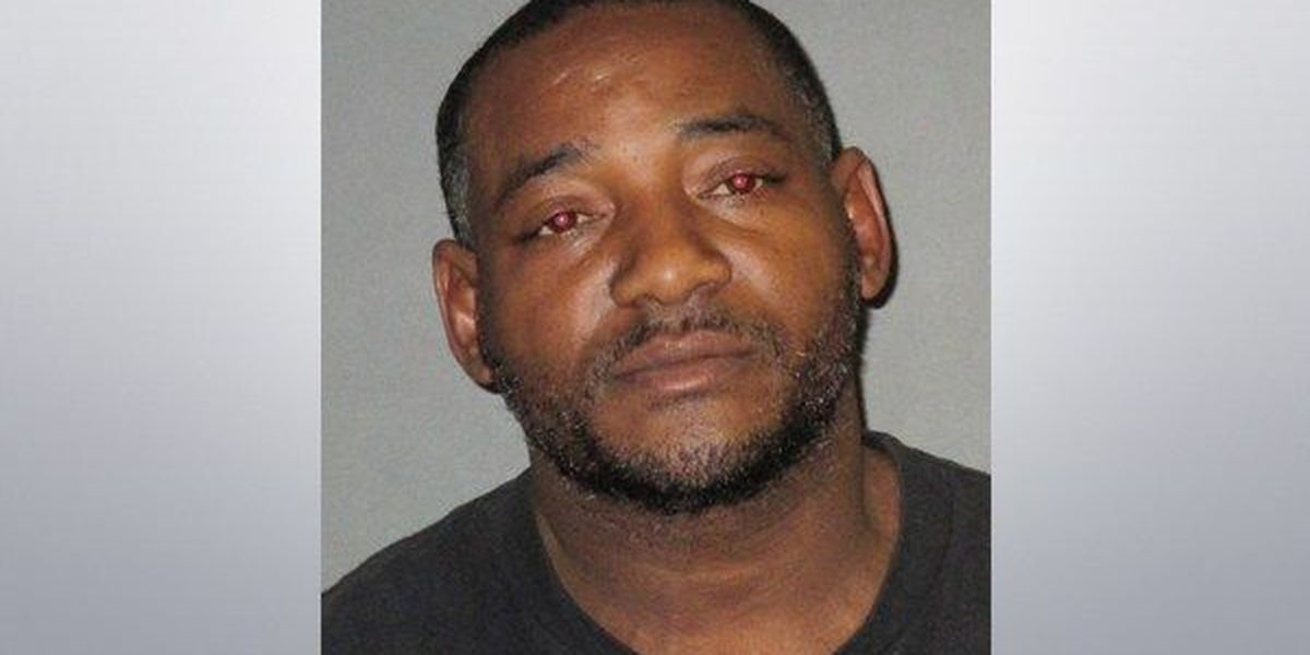 Baton Rouge man arrested for domestic abuse