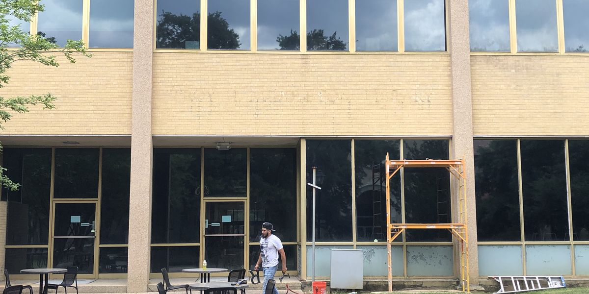 Crews begin process of removing 'Middleton' name from LSU's library