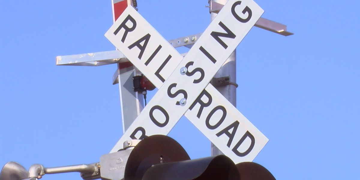Baton Rouge residents fed up with getting stuck at railroad crossings