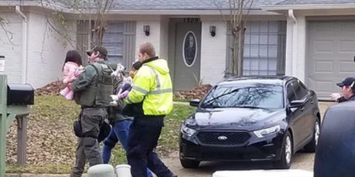 4 hostages killed during Mississippi standoff; shooting suspect also dead