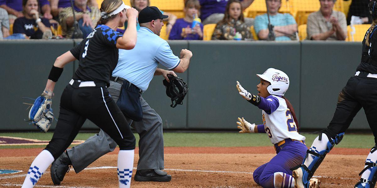No. 7 LSU softball falls to No. 23 Kentucky in Game 1