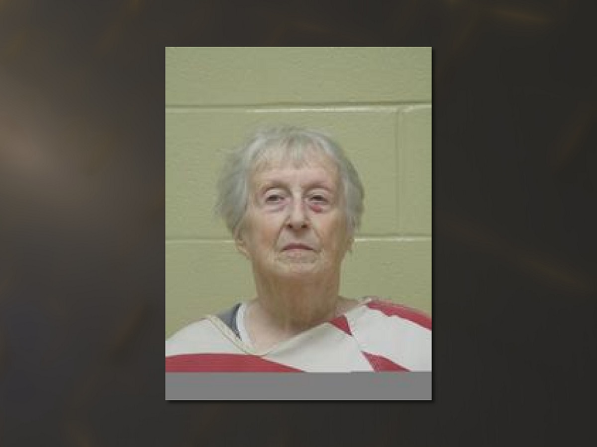 Bossier City woman indicted for stabbing husband to death