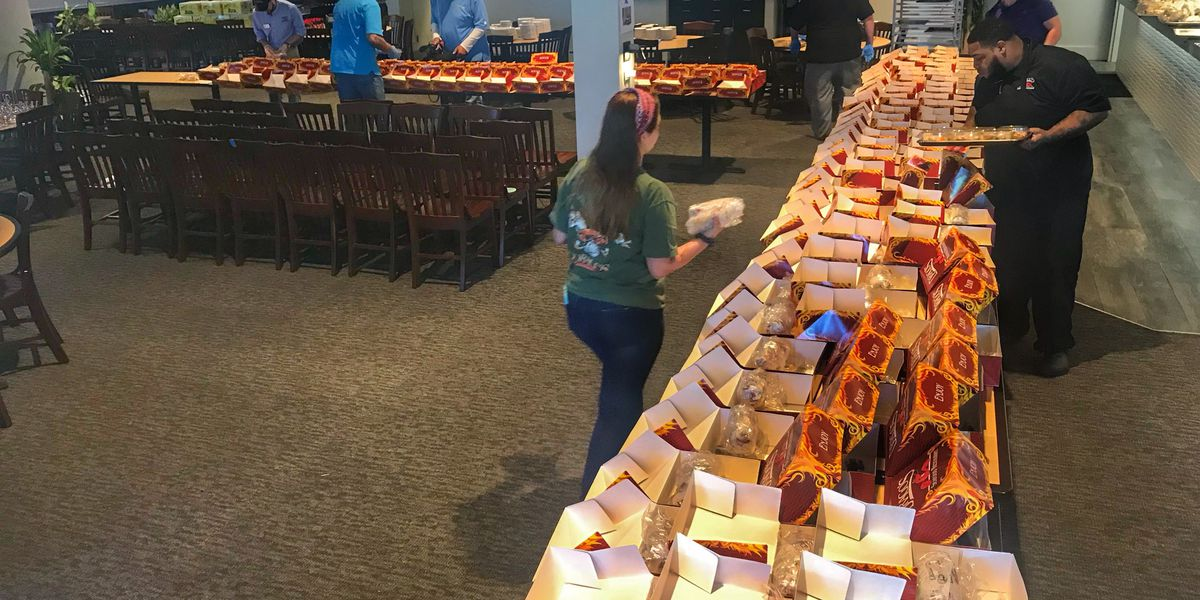 Drago's donates hundreds of meals to area hospitals