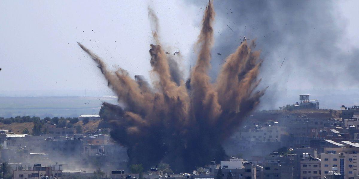 Deaths rise as Palestinians flee heavy Israeli fire in Gaza