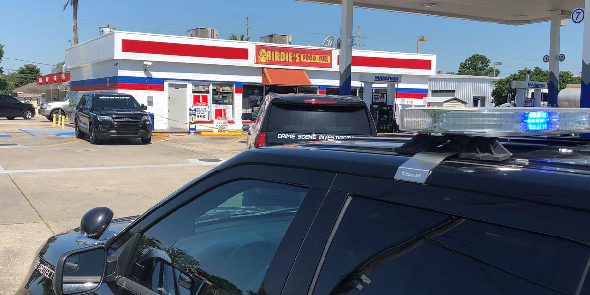 LaPlace convenience store employee shoots suspected robber