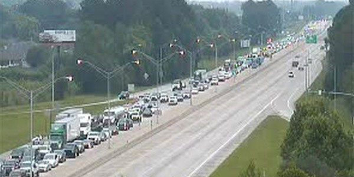 Traffic slows on I-12 near Millerville & O'Neal, backups on