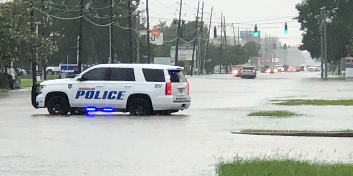 Heavy rains flood several neighborhoods, roadways throughout metro Baton Rouge Monday