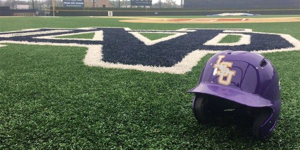 LSU sweeps doubleheader at Notre Dame with 1-0 win in Game 1 and 3-2 win in Game 2