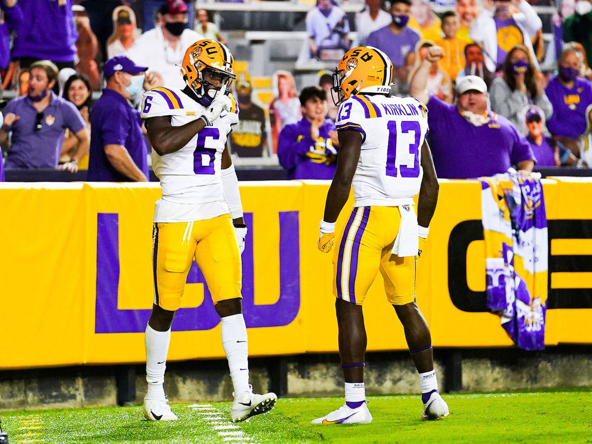'Outcoached and outplayed': LSU runs past Gamecocks in 52-24 rout